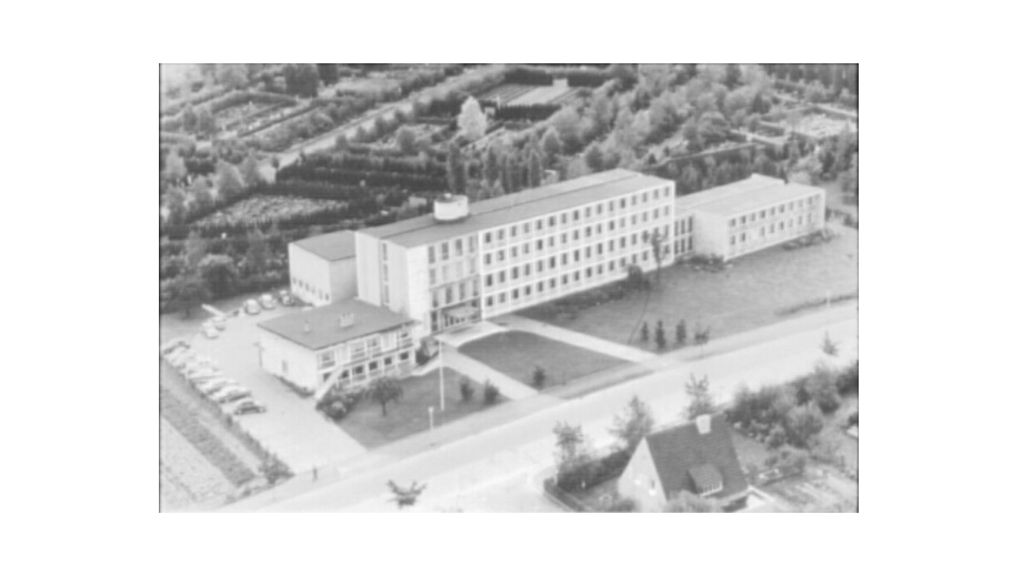 The DFG Head Office at Frankengraben 40 with its first annex in 1957