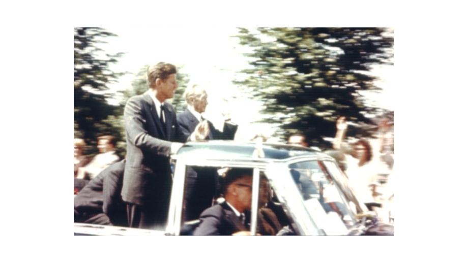 President John F. Kennedy's visit to Bonn. Since 1963, the former Frankengraben has borne the name of the American President