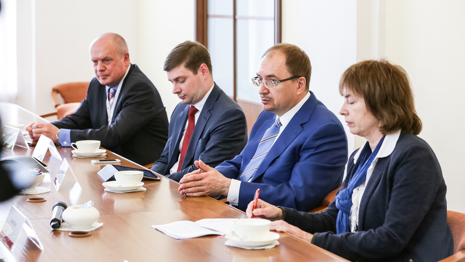Meeting with SPBU Rector Nikolay Kropachev; left, Vice-Rector for International Affairs Sergey Andryushin and Vice-Rector for Research Sergey Aplonov
