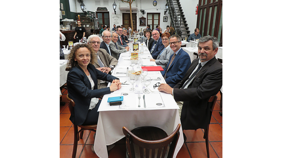 Lunch with guests from the research community (bottom to top/left to right): Dr Kathrin Winkler (DFG Office Latin America), Dr Pedro Depetris (CICTERRA), Dr Alfonso Gómez (rector of the Catholic University of Córdoba), Dr Juan Alfredo Tirao (presiden