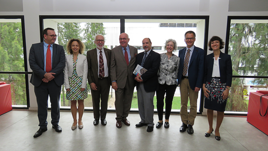 Group photo at the National University of La Plata (left to right): Dr Sebastian Granderath (DFG), Dr Kathrin Winkler (DFG Office Latin America), Javier Diaz (institutional relations officer at UNLP), Prof Dr Peter Strohschneider (DFG), Prof Dr Raúl