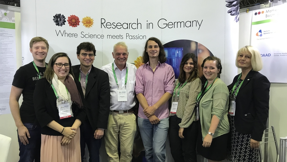 Group picture with fields medalist professor Peter Scholze, ICM2018